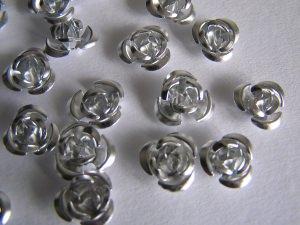 30 Metallröschen/perlen