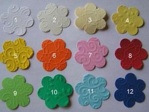 30 geprägte Blumen in Wunschfarbe