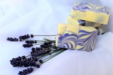 Lavendelseife Toscana handgesiedet mit Olivenöl