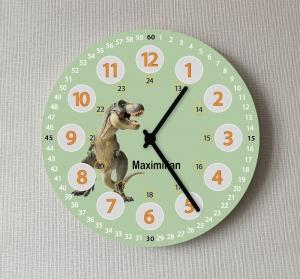 Große Wanduhr für das Kinderzimmer Dinosaurier Mädchen Jungen Uhr 25 cm