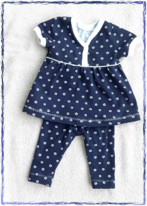 Selbst genähtes Babykleid oder Tunika und dazu gehörende Leggins in Gr.62 - Handarbeit kaufen