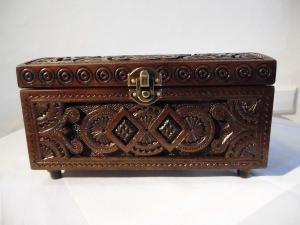 Ukrainische Holzdosen, Handarbeit, mit Dekor