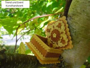 Handgearbeitetes Holzkästchen aus Birkenrinde, quadratisch m. Deckel