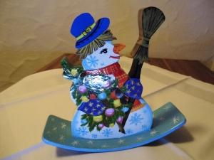 Schaukel-Schneemann aus Holz, Unikat, bunt, 16 cm Höhe  - Handarbeit kaufen