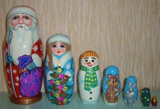 Handgearbeiteter Weihnachtsmann / St. Claus, 7-er-Set ,groß, aus Holz, Unikate, handbemalt  - Handarbeit kaufen