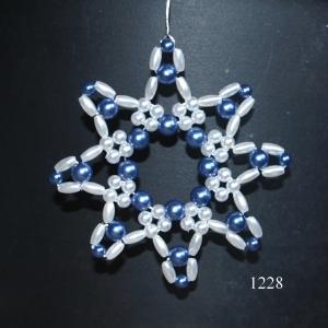 Sortiment mit 4 handgearbeitete Perlen-Sternen zum Aufhängen, 8 cm / Unikate , auf Draht gefädelt