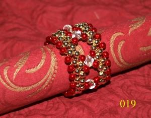 6 handgearbeitete Perlen - Serviettenringe , Unikate, Durchmesser 4 cm, Breite 2 cm, gefädelt auf Draht