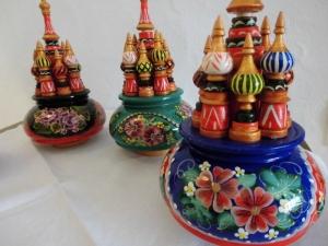 Handgearbeitete Russische Spieluhr, handbemalt, Design Kreml, Holz, 22 cm hoch, Unikat, Russ. Melodie - Handarbeit kaufen