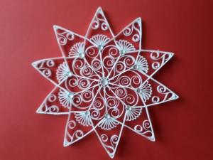 1 handgearbeiteter Stern aus Papier, weiß, Deko, Durchmesser 17 cm, mit Schlaufe zum Aufhängen + Glitzerstein