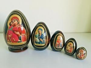 Handgearbeitete 5-er Matroschka-Oster-Eier, 16 cm