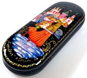 Handgearbeitetes russisches Brillenetui, Unikat, mit Signatur des Künstlers auf dem Klappdeckel  - Handarbeit kaufen