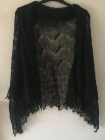 Handgestrickter Luxus-Orenburg-Schal aus Ziegenwolle mit 20% Seide, Farbe: schwarz,, 140 x 140 cm