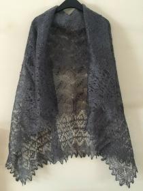 Handgestrickter Luxus-Orenburg-Schal aus Ziegenwolle mit 20% Seide, Farbe: grau, 140 x 140                           cm