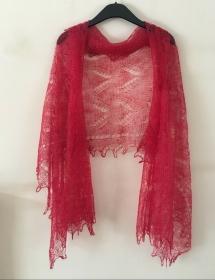 Handgearbeiteter Orenburg-Schal aus Ziegenwolle, Farbe: rot, 70 x 170 cm / Unikat