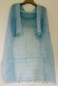 Handgestrickter-Kalinka-Orenburg-Schal aus Ziegenwolle mit 20% Seide,  150 x 150 cm, Unikat, Farbe: hellblau # 11 - Handarbeit kaufen