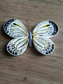 Schmetterling - weiss/schwarz - aus Papier zum Aufhängen, Handarbeit - Handarbeit kaufen