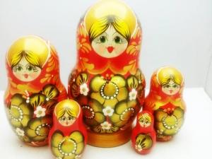 Handgearbeitete Matroschka, Blumenmotiv, gelb-orange, 5-er Set, Unikat - Handarbeit kaufen
