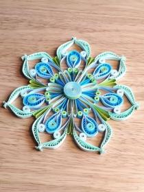Mandala hellgrün-blau, Durchmesser 14 cm aus Kartonpapier, Handarbeit  - Handarbeit kaufen