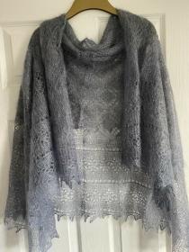 Handgestrickter-Kalinka-Orenburg-Schal aus Ziegenwolle mit 20% Seide, 150 x 150 cm, Unikat, Farbe: storm-cloud # 9 - Handarbeit kaufen