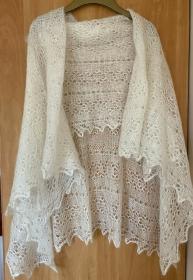Handgestrickter-Kalinka-Orenburg-Schal aus Ziegenwolle mit 20% Seide, 150 x 150 cm, Unikat, Farbe: elfenbein-weiss  - Handarbeit kaufen