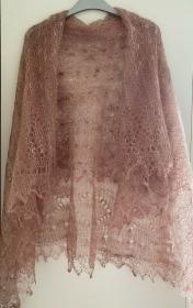 Kalinka-Orenburg-Schal aus Ziegenwolle mit 20% Seide, 135 x 135 cm, Farbe: schokoladeneiscremefarbig # 30, Unikat / Handarbeit - Handarbeit kaufen