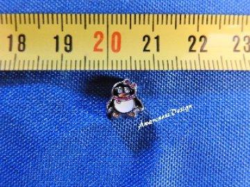 Floating Charm Pinguin mit rosa Schal Einleger