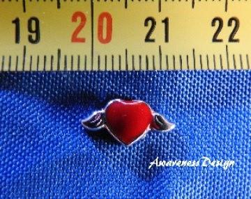 Floating Charm  rotes Herz mit Flügel ♥ Einleger
