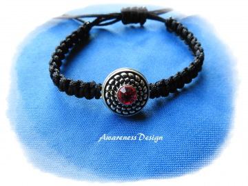 Flechtarmband mit Druckknopf Silber rot   handgefertigtes Makrameearmband
