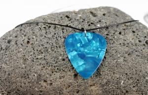 Surferkette Plektrum Gitarre blau verstellbar Schiebeknoten Musik Kunstleder vegan - Handarbeit kaufen
