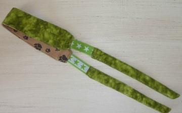 Sportstirnband mit seitlichem Gummizug in grün-braun von ideenReich genäht