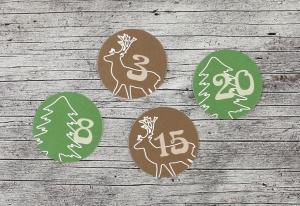 Adventskalenderzahlen **Hirsch+Tanne** von ZWEIFARBIG 24 Stück 40mm Aufkleber Adventskalender Zahlenaufkleber Advent Etiketten Adventszahlen Weihnachten Hirsch Baum - Handarbeit kaufen