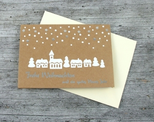 Klappkarte **Winterdorf** von ZWEIFARBIG Kraftpapier Weihnachtswünsche Frohe Weihnachten Grußkarte Weihnachtskarte Weihnachtsgrüße Kraftpapierkarte - Handarbeit kaufen