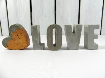 Beton Buchstaben Love & Herz Schriftzug für Hochzeit Liebe Verlobung