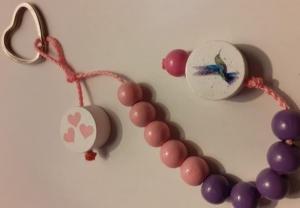 Schöne Rechenkette für Mädchen - rechnen im 10er Bereich-Holzperlen-Herz-Kolibri-lila-rosa - Handarbeit kaufen