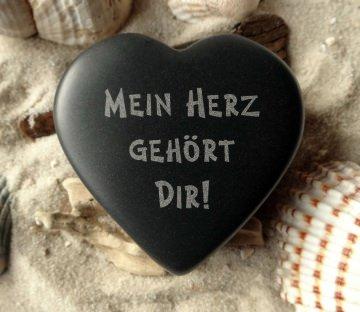 Herz für Verliebte mit Wunschname Stein Basalt Gravur