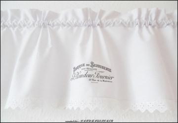 weiße Landhaus Scheibengardine Vintage Style Bistrogardine