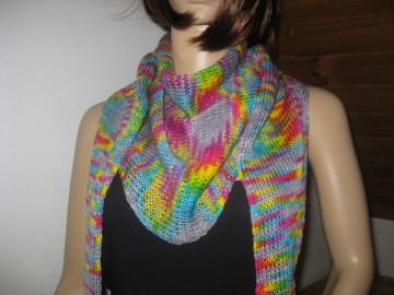 Dreieckstuch, Schaltuch aus handgefärbter Wolle mit auffälligen Farbeffekten