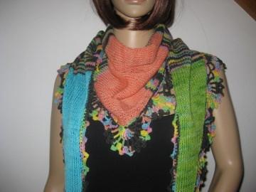 Dreieckstuch, Schaltuch aus handgefärbter Wolle in tollen Farben