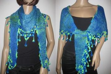 Dreieckstuch, Schaltuch aus handgefärbter Wolle mit langem einzigartigem Farbverlauf, gestrickt und gehäkelt, Schal, Stola - Handarbeit kaufen