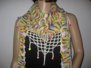 Dreieckstuch, Schaltuch aus handgefärbter Wolle mit hübscher Perlen-Kante, gestrickt und gehäkelt, Schal, Stola