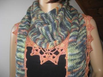 Dreieckstuch, Schaltuch aus handgefärbter Wolle in auffälligen Farben