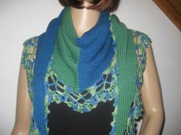 Dreieckstuch, Schaltuch aus extrafeier Merino-Wolle, gestrickt und gehäkelt, Schal, Stola - Handarbeit kaufen