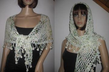 Dreieckstuch aus handgefärbter Wolle mit Bommel-Musterkante, Schal, gehäkelt