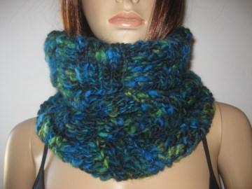 Schlauchschal, Schal, Loop, gestrickt in Blau- Türkis- und Grüntönen - Handarbeit kaufen