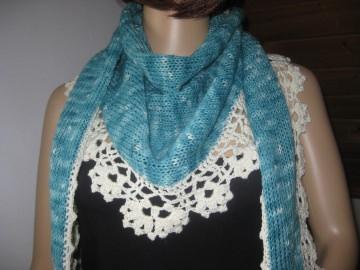 Dreieckstuch, Schaltuch aus handgefärbter Wolle in türkis-naturweiß, Schal, Stola