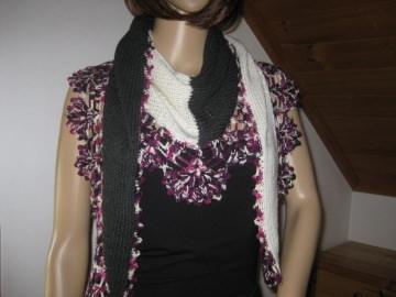 Dreieckstuch, Schaltuch aus super weicher Wolle, gestrickt und gehäkelt, Schal, Stola