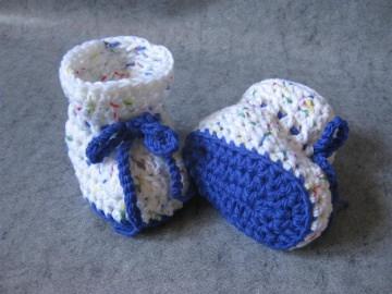 Babyschuhe Gr. 0, Babysocken aus exrafeiner Merino-Wolle