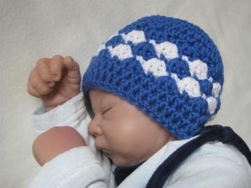 Babymütze, Neugeborenenmütze, Wintermütze aus reiner weicher Wolle, gehäkelt