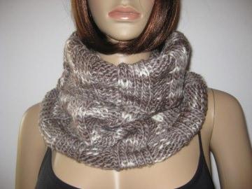 Schlauchschal, gestrickt aus weicher handgefärbter Wolle, Loop, Schal