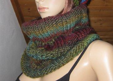 Schlauchschal, gestrickt mit schönem Farbverlauf, Loop, Schal - Handarbeit kaufen